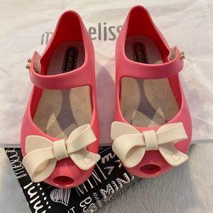 Bubblegum Pink Mini Melissa Size 7